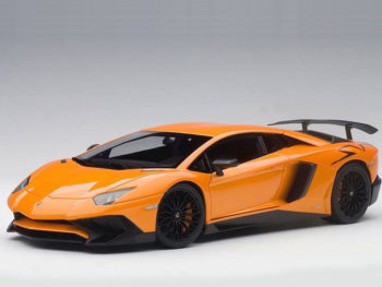AUTOart 74557 Lamborghini Aventador LP750-4 SV 1:18 Metallic Orange