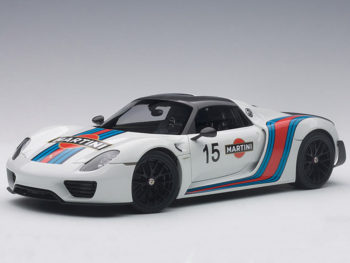 AUTOart 77927 Porsche 918 Spyder Weissach Package 1:18 White / Martini Livery