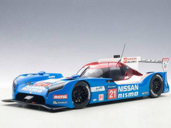 AUTOart 81579 Nissan GT-R LM Nismo LeMans 2015 1:18 #21 Matsuda Shulzhitskiy