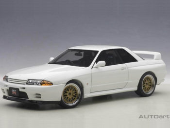 AUTOart 77416 Nissan Skyline GT-R R32 V-SPEC II Tuned Version 1:18 Crystal White
