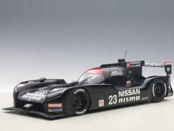 AUTOart 81577 Nissan GT-R LM Nismo 2015 Test Car #23 1:18 Black