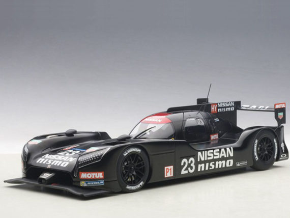 AUTOart 81577 Nissan GT-R LM Nismo 2015 Test Car #23 1:18 Black
