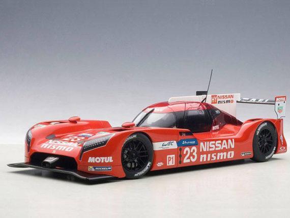 AUTOart 81578 Nissan GT-R LM Nismo LeMans 2015 O. Pla, J.Mardenborough #23 1:18 Red