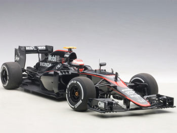 AUTOart 18122 McLaren MP4-30 F1 2015 Barcelona Spain J. Button #22 1:18 Black