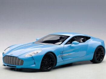 AUTOart 70240 Aston Martin One 77 1:18 Tiffany Blue