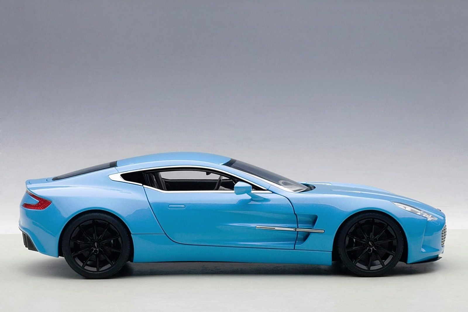 Home / Make / Aston Martin / AUTOart 70240 Aston Martin One 77 1:18 Tiffany  Blue