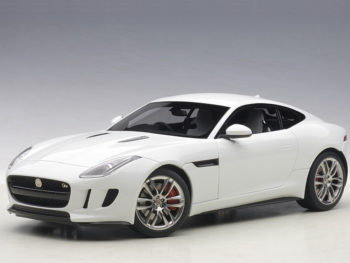 AUTOart 73651 2015 Jaguar F-Type R Coupe 1:18 Polaris White
