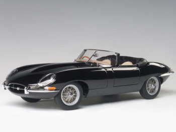 AUTOart 73604 Jaguar E-Type Roadster Series I 3.8 1:18 Green Metal Wire Wheels