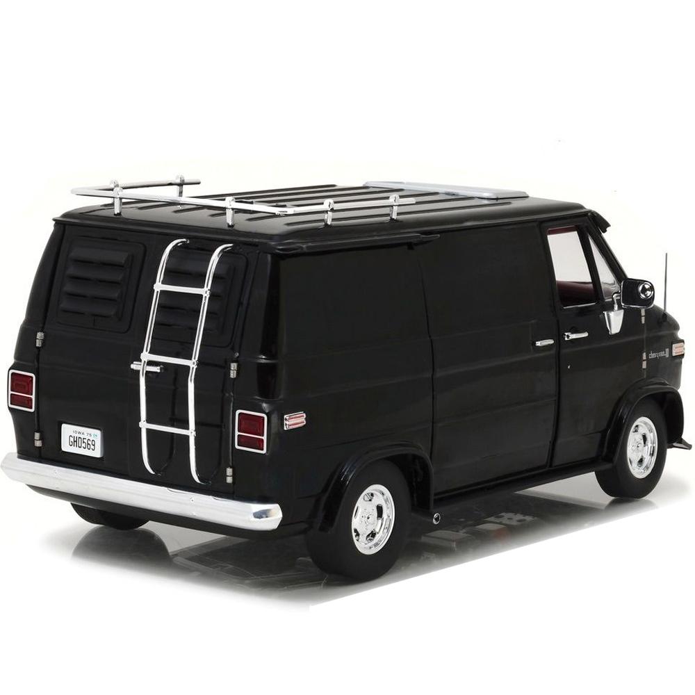 Highway 61 18002 1976 Chevrolet G Series Van 1:18 Black