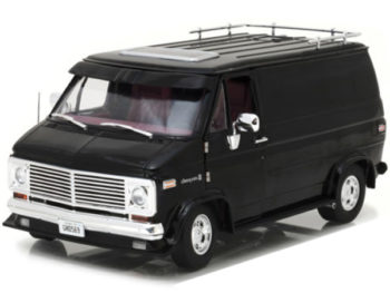 Highway 61 18002 1976 Chevrolet G Series Van 1:18 Black