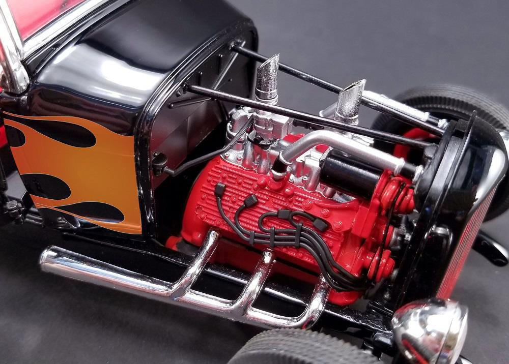 Acme A1804002 Hot Rod 1932 Ford 1:18 Black with Flames » BT Diecast