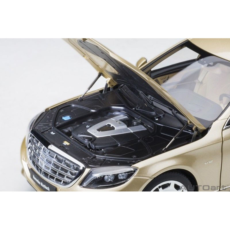 AUTOart 76298 Mercedes Benz Maybach S 600 Pullman Limo 1