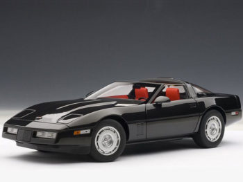 AUTOart 71242 1986 Chevrolet Corvette 1:18 Black