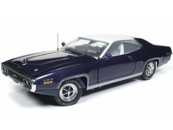 Autoworld Amm1146 1971 Plymouth Satellite Sebring Plus 1:18 Purple with White Top
