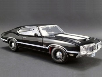 Acme A1805609 1970 Oldsmobile 422 W-30 1:18 Black