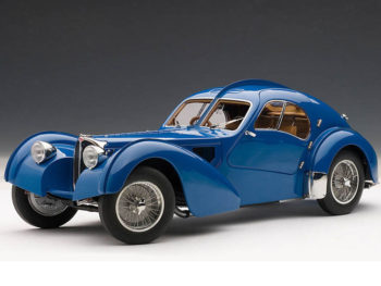 AUTOart 70943 1938 Bugatti 57SC 1:18 Atlantic Blue with Metal Wire Spoke Wheels