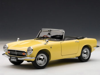 AUTOart 73277 1966 Honda S800 Roadster 1:18 Yellow