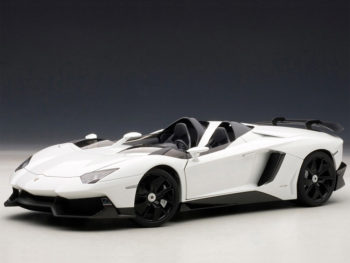 AUTOart 74674 Lamborghini Aventador J Roadster 1:18 White