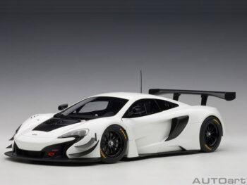 AUTOart 81640 McLaren 650S GT3 1:18 White with Black Accents