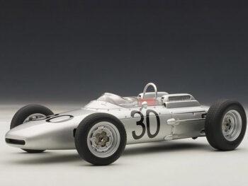 AUTOart 86271 Porsche 804 Formula 1 #30 Winner Gurney GP DE France 1962 1:18 Silver