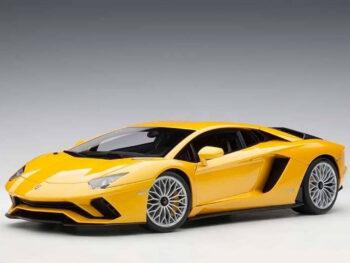 AUTOart 79132 Lamborghini Aventador S 1:18 New Giallo Orion / Metallic Yellow
