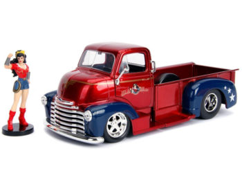 Jada 30453 DC 1952 Chevrolet Coe Pick Up Truck 1:24 with Wonder Woman Figure
