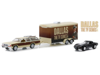 Greenlight 31070 C Hitch & Tow Dallas Ford Country Squire & Corvette C3 1:64 Set