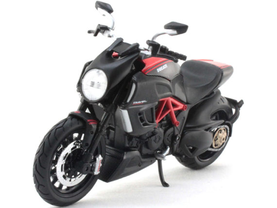 Maisto 20-11023 Ducati Diavel Carbon 1:12 Black Red