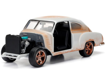 Jada 98294 Fast & Furious 8 Dom's 1951 Chevrolet Fleetline 1:24 Cream