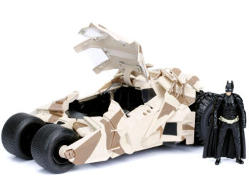 Jada 98543 DC 2008 The Dark Knight Batmobile Tumbler 1:24 with Batman Figure Camouflage