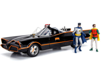 Jada 98625 TV Series 1966 Classic Batmobile 1:18 with Light & Batman Robin Figures