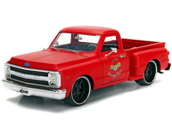 Jada 99322 Just Trucks 1969 Chevrolet C10 Stepside Pick Up Truck 1:24 Garage Nuts Matte Red
