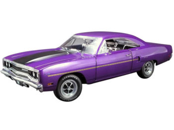 Gmp 18897 Graveyard Carz 1970 Plymouth Road Runner 1:18 Plum Crazy Purple
