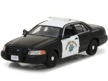 Greenlight 86086 Ford Crown Victoria CHP Highway Patrol Interceptor Police Car 1:43