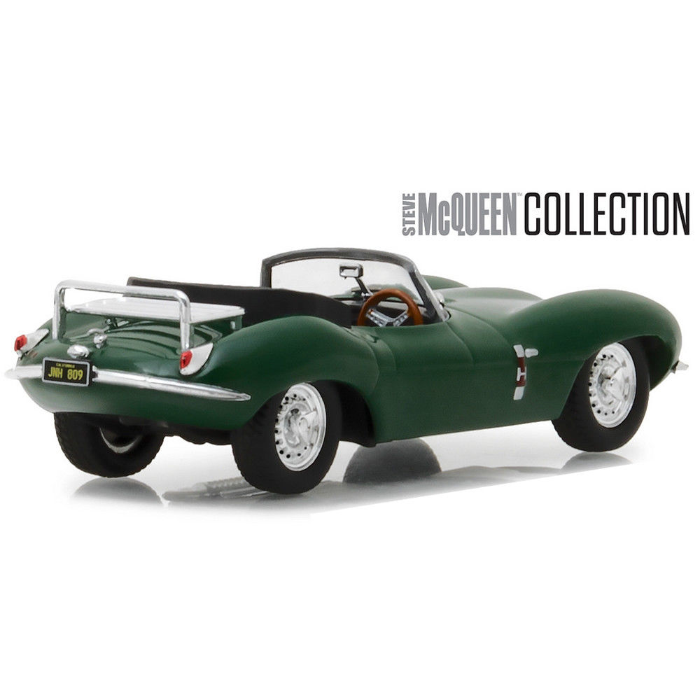 Greenlight 86434 1957 Jaguar XKSS with Steve McQueen Figure 1:43 Scale Diecast