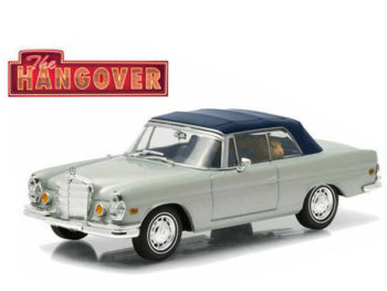 Greenlight 86492 Hangover 1969 Mercedes Benz 280 SE Top Up with Tiger 1:43 Silver