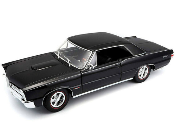 Maisto 31885 Special Edition 1965 Pontiac GTO Hurst 1:18 Black