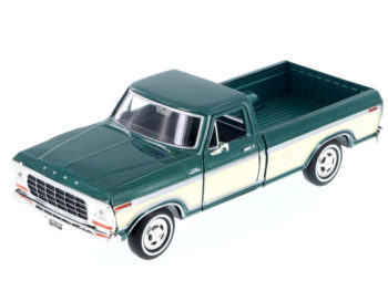 Motormax 79346 1979 Ford F-150 Custom Pick Up Truck 1:24 2-Tone Cream Green