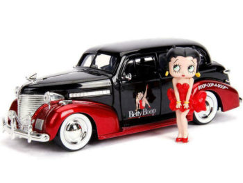Jada 30695 1939 Chevrolet Master Deluxe 1:24 with Betty Boop Figure