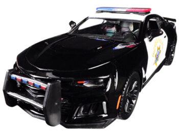 Motormax 76967 2017 Chevrolet Camaro ZL1 California Highway Patrol (CHP) 1:24 Black White