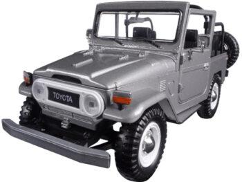 Motormax 79330 Toyota FJ 40 Convertible 1:24 Silver