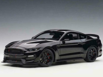 AUTOart 72934 Ford Shelby GT-350 R 1:18 Shadow Black with Black Stripes