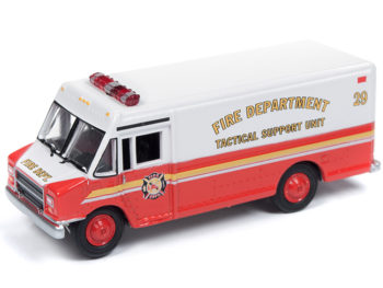 Johnny Lightning JLSP064 Hobby Exclusive 1990 Gmc Step Van 1:64 Fire Deaprtment Tactical Support Unit