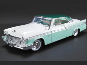 Acme A1809003 1956 Chrysler New Yorker ST Regis 1:18 Surf Green Ploy/Cloud White